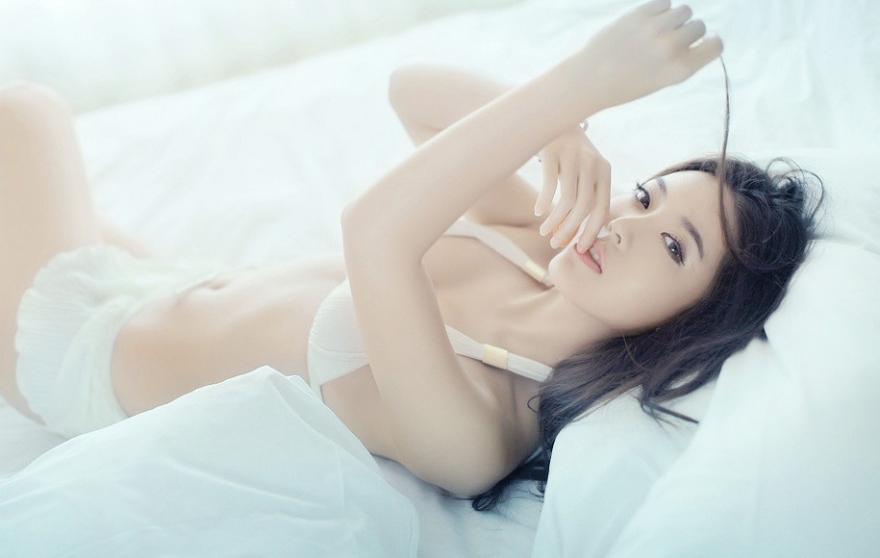 赵雨菲性感内衣娇躯光滑唯美展示 当游网