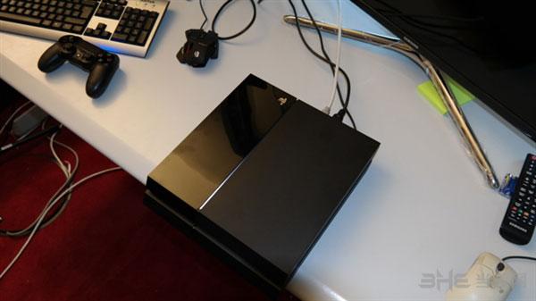 PS4拆机图片1