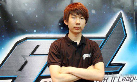 韩国星际争霸选手SuperNova整容前2