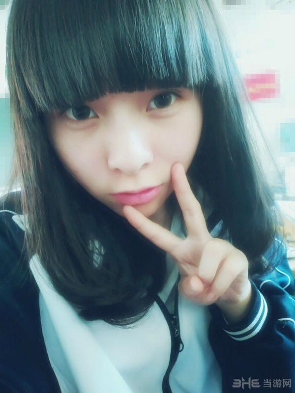中国最美校服美女图片抢先看 萌妹回眸一笑百