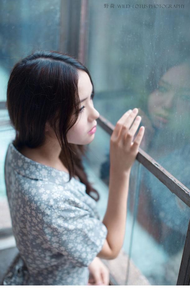 荔枝小青涩唯美图片 忧郁系女生让人怜惜(1/6)
