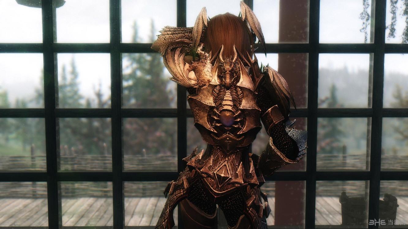 女战神头盔