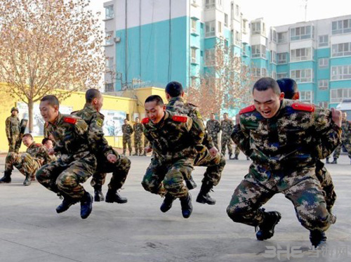 《CS》进新疆边防总队缓解压力 一辈子的兄弟2