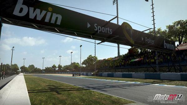 MotoGP14游戏截图2