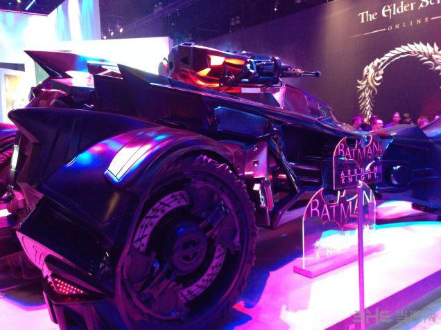 蝙蝠侠阿卡姆骑士蝙蝠车4