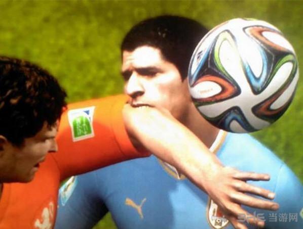 FIFA15苏牙咬人截图