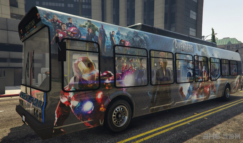 侠盗猎车手5真实巴士广告MOD截图1