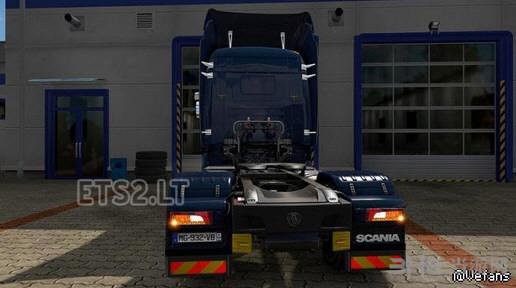 欧洲卡车模拟2斯堪尼亚流线型尾灯MOD截图0