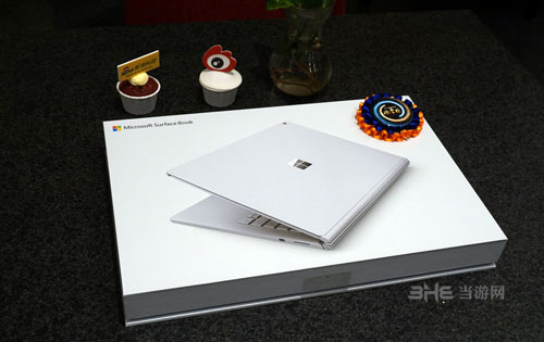 Surface Book配图1