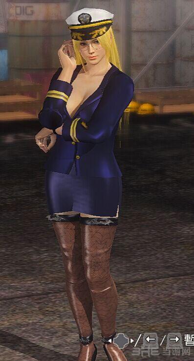 死或生5:最后一战海莲娜长袖海军少校制服MOD截图0