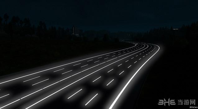 欧洲卡车模拟2 v1.25.3道路反光MOD截图1