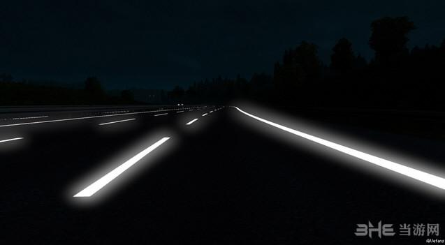 欧洲卡车模拟2 v1.25.3道路反光MOD截图0
