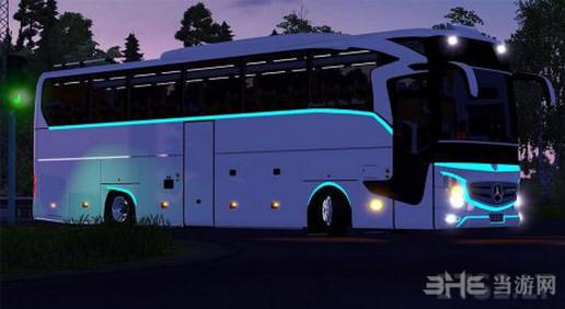 欧洲卡车模拟2 v1.25奔驰牌大巴MOD截图1