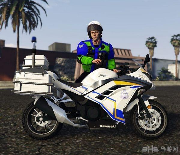 侠盗猎车手5川崎牌马来西亚警用摩托车MOD截图0