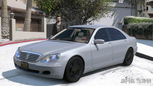 侠盗猎车手5 2004款奔驰S600 W220 MOD截图2