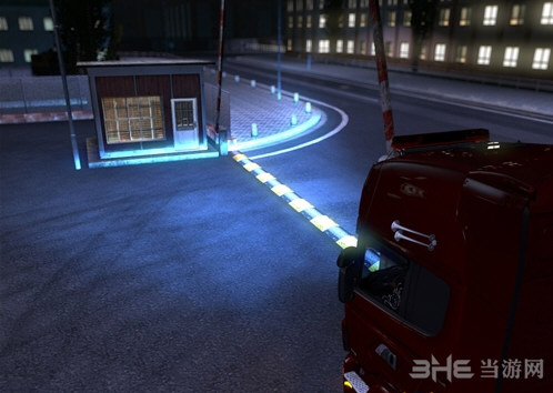 欧洲卡车模拟2新版疝气灯MOD截图0