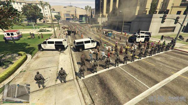 侠盗猎车手5暴力抗议场景MOD截图1