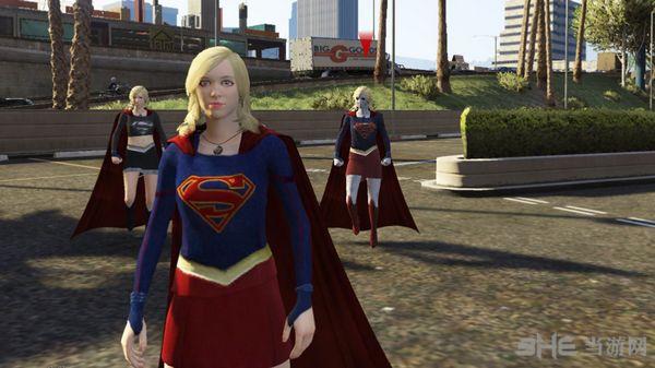 侠盗猎车手5女版超人MOD截图1