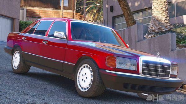 侠盗猎车手5 1990款梅赛德斯奔驰560sel w126 MOD截图1