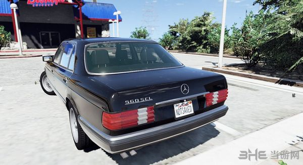 侠盗猎车手5 1990款梅赛德斯奔驰560sel w126 MOD截图2