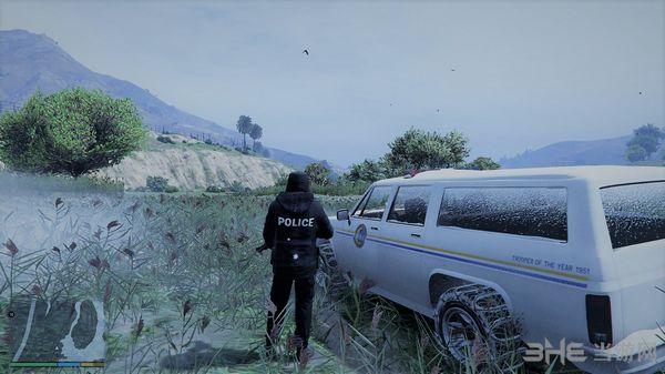 侠盗猎车手5玩家版冬季警察制服MOD截图2