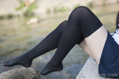 黑丝美腿福利图3