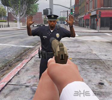侠盗猎车手5警察向你投降MOD截图1