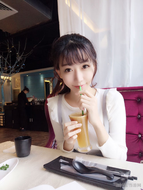 小林志玲陈潇唯美街拍照欣赏 清新元气美少女