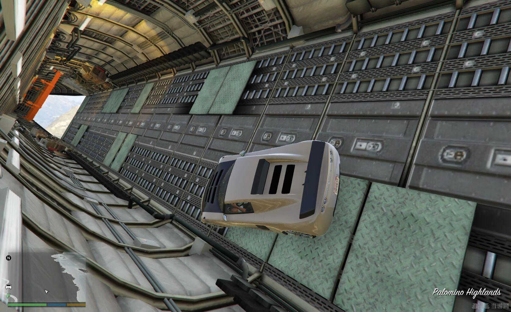 侠盗猎车手5自动驾驶仪:飞行的同时可以随意走动MOD截图2