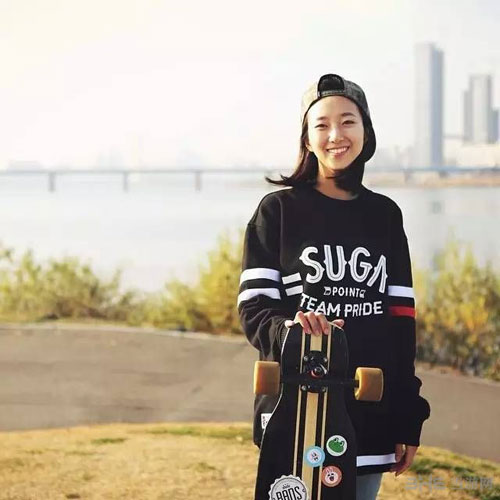 韩国滑板女神私房照3