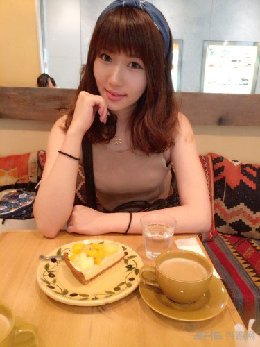 日本美女模特绪方友莉奈私房照2
