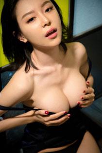 绝色美女慕羽茜玩SM爆光图片 丰满美胸让你欲罢不能