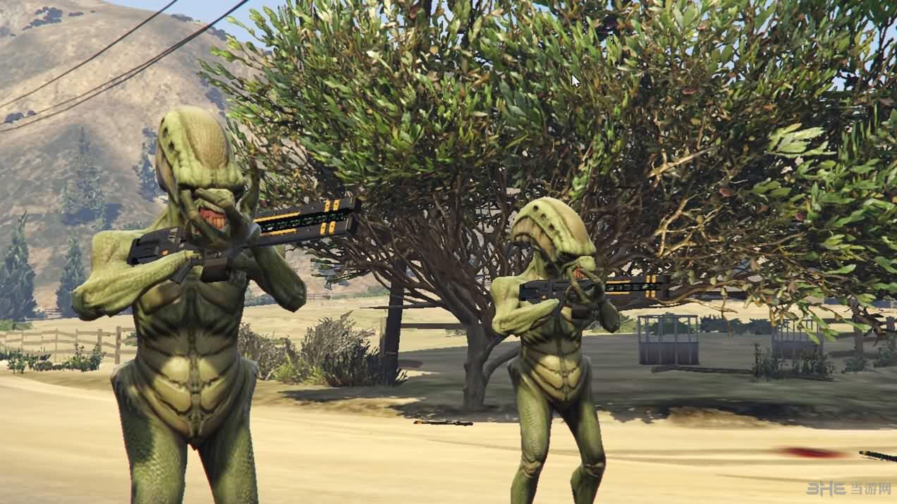 侠盗猎车手5外星人入侵MOD截图2