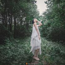清纯气质美女森系写真 文静迷人的气质令人喜爱