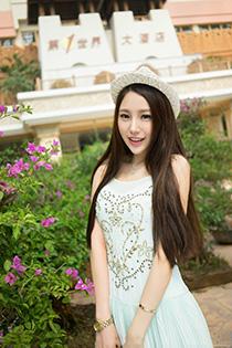 肤白貌美的清纯美女写真 高挑养眼好身材立现