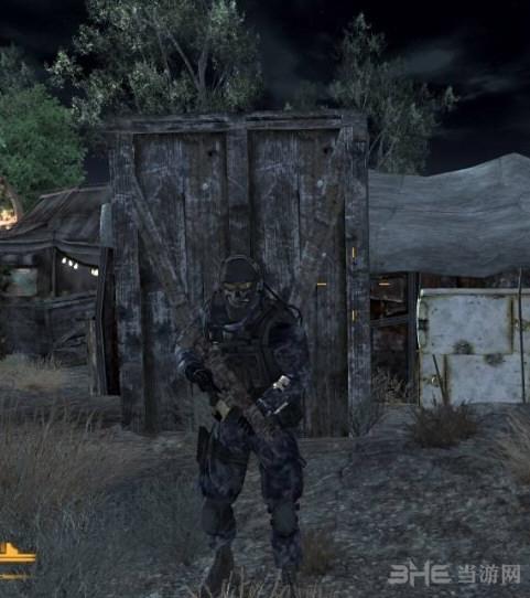 辐射:新维加斯使命召唤幽灵服MOD截图0
