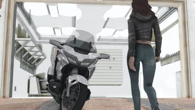 侠盗猎车手:圣安地列斯2018年本田金翼DCT摩托车MOD截图0