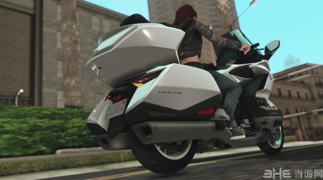 侠盗猎车手:圣安地列斯2018年本田金翼DCT摩托车MOD截图3