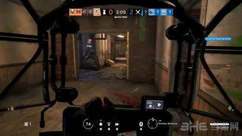 彩虹六号围攻游戏视频截图3